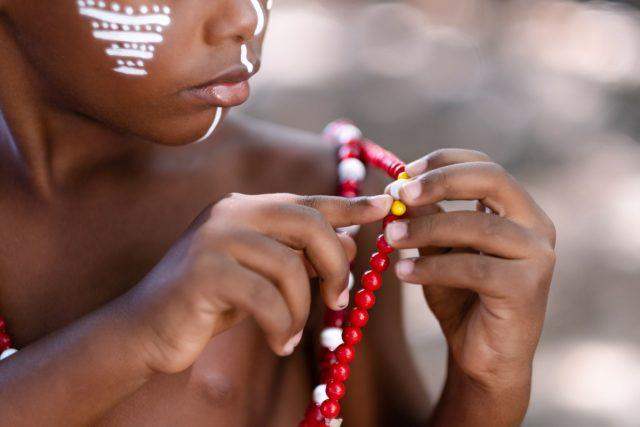 20 08 26 TCE 2020 AndreaLeal 0816 S Editar 640x427 Fotolivro Por uma Infância Sem Racismo